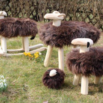 Schaf-Familie braun mit Schaukel