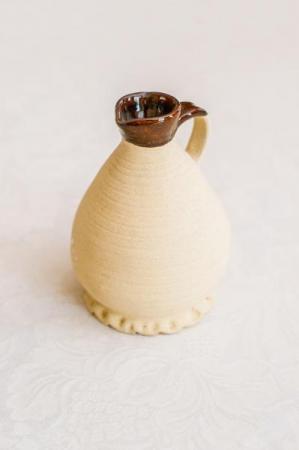 Kleinere Sahne –oder Milchkanne innen schön glasiert